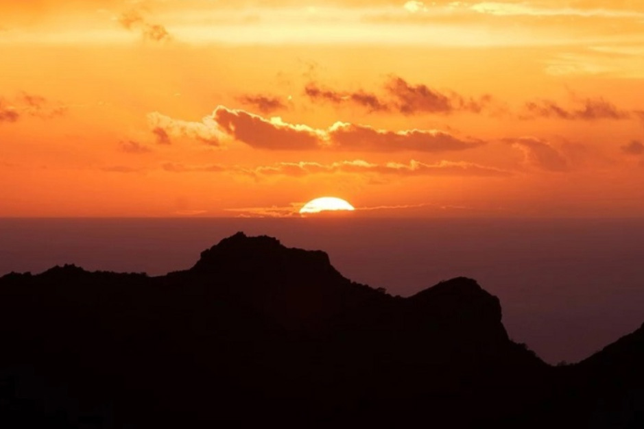 Observando el Sol desde Tenerife. Una aventura sobre el mar de nubes